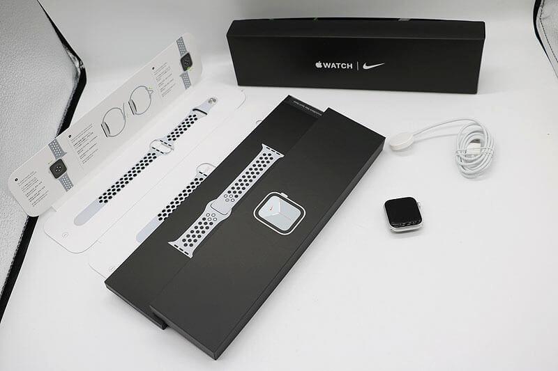 Apple Watch Nike SE GPSモデル 40mm MYYD2J/A Nikeスポーツバンド 中古買取価格20,000円